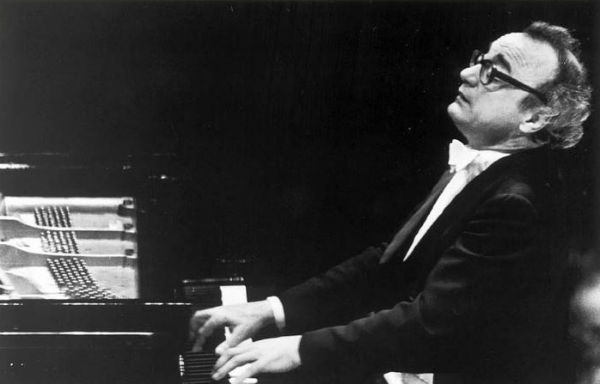 Pianist Alfred Brendel plays the piano
